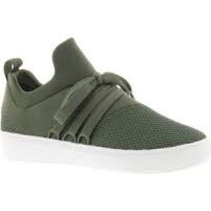 STEVE MADDEN Lancer green lace wrap sneakers 8M